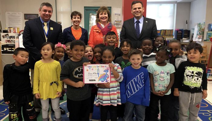 Mayor Christenson congratulates the Salemwood Kindergarten teacher Ms. McBride and her students on reading 1 million words in two months!